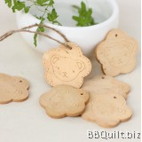 2x Cute Bear Wooden Tag Engraved tags Craft Buttons Diy Crafts Accessories Hang Tags