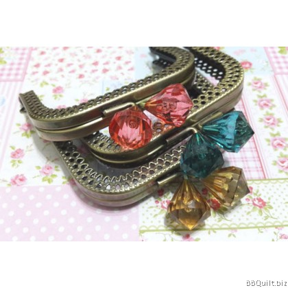 8.5cm Antique brass Lace Edge Rectangular Purse Frame with Diamond Beads