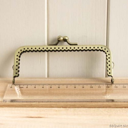 12.5cm Antique Bronze Lace Edge Rectangular Purse Frame