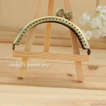 8.5cm & 11.5cm Antique Bronze Side Lock Curved Purse Frame